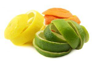 Не все вредители бегут от апельсиновой корки, некоторые ее очень даже любят
